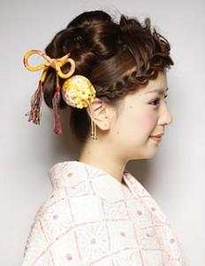 成人式のロングの髪型でアップスタイル