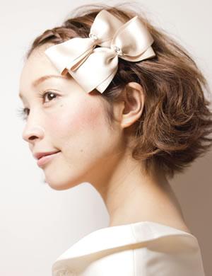 結婚式 髪型 ショート おすすめ ヘアアクセ