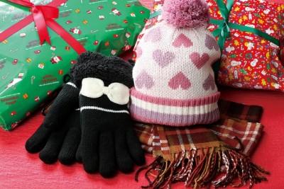 高校生 彼女 クリスマスプレゼント おすすめ 手袋 マフラー